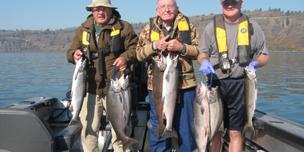 Columbia river fall chinook salmon fishing sts guide service for Columbia river salmon fishing